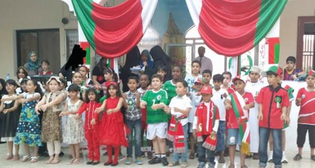 عدد من المدارس الخاصة بالولايات تنظم احتفالات ومسيرات وطنية بالعيد الوطني المجيد