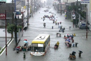 ss-090926-philippine-flood-02ss_full1