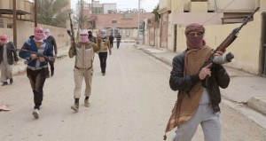 العراق يفض اعتصام الأنبار .. الحكومة تعلن نصرا على (القاعدة والاشتباكات تمتد لـ(الفلوجة) واستقالة 44 نائبا بالبرلمان