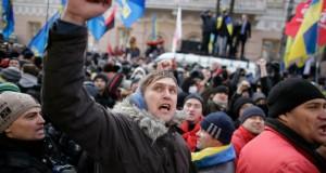 أوكرانيا: الحكومة تنجو من حجب الثقة وتعتذر عن عنف الشرطة