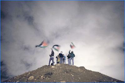 مستوطنون يقتحمون باحات الأقصى وسط حراسة إسرائيلية مشددة