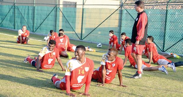منتخبنا الوطني يؤدي مرانه الأول بحضور 15 لاعبا  المران استمر لأكثر من ساعة للإحماء و تهيئة اللاعبين