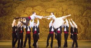 فرقة باليه فيينا الوطنية تمتع الجمهور بعرض إبداعي في دار الأوبرا السلطانية مسقط