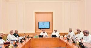 """لجنة تقصي الحقائق بـ """"الشورى"""" تستعرض مراجعة الأوضاع المالية والإدارية للطيران العماني"""
