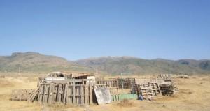 بلدية ظفار تنفذ حملة لإزالة حيازة الأراضي البيضاء في نيابة غدو