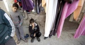 كيري يروج لـ(إطاره) والفلسطينيون يستقبلونه بالاحتجاجات