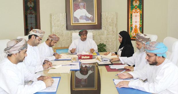 """""""الإسكان"""" تسند مشاريع بقيمة 48 ألف ريال عماني"""