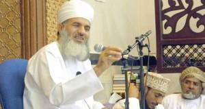 والي العامرات يفتتح مسجد العدل بالعامرات