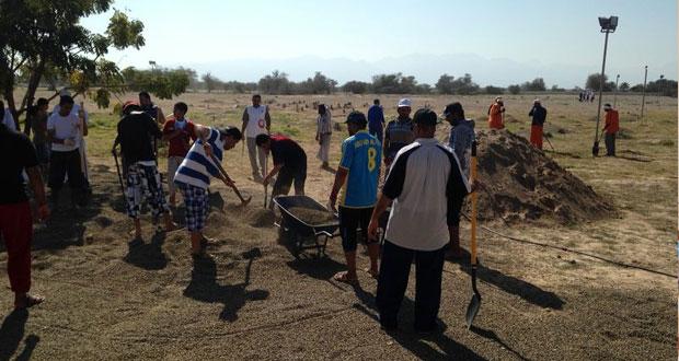 مائة مشارك في حملة تنظيف مقبرة المزرع ببركاء
