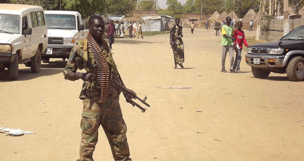 جنوب السودان: إطلاق محادثات سلام ….وطرفا النزاع يكثفان من المعارك