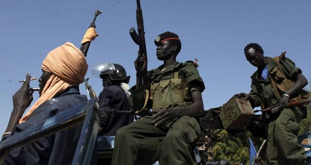 جنوب السودان: الخرطوم تجرد قوات تابعة لريك مشار من أسلحتها وتطردها