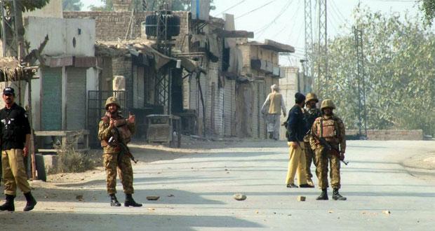 باكستان: 22 قتيلا من قوات الأمن في هجوم على مركبة