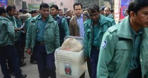 بنجلاديش : أعمال عنف وإضراب عشية الانتخابات