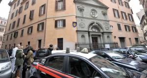انفجار قنبلة قرب كنيسة فرنسية بالتزامن مع زيارة هولاند إلى الفاتيكان