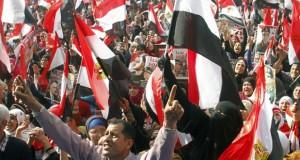 ميادين مصر تحتفل بـ(25 يناير) .. الإرهابيون يفجرون وقتلى في تظاهرات لأنصار الإخوان