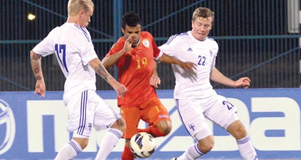 منتخبنا يعجز عن هز شباك المنتخب الفنلندي ويكتفي بالتعادل السلبي