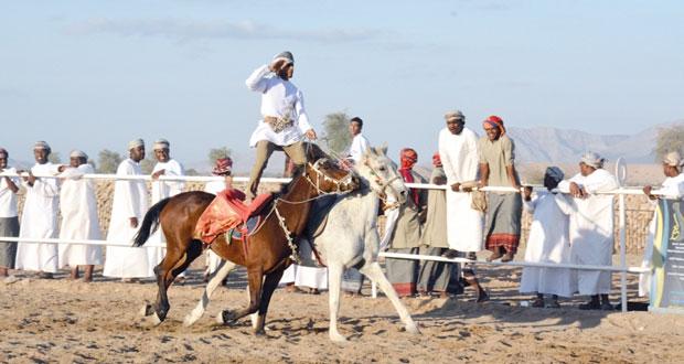 نجاح رائع يشهده مهرجان رياضات الخيل التقليدية بالكامل والوافي