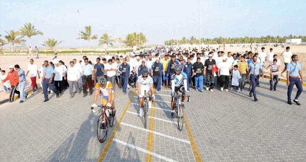 1500 مشارك في اليوم اﻷولمبي بمحافظة ظفار