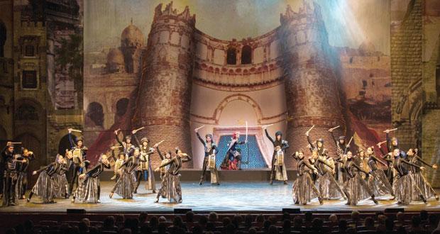 """""""صقر قريش"""" قصة أسطورية يمتزج فيها الواقع بالخيال تبهر جمهور دار الأوبرا السلطانية مسقط"""