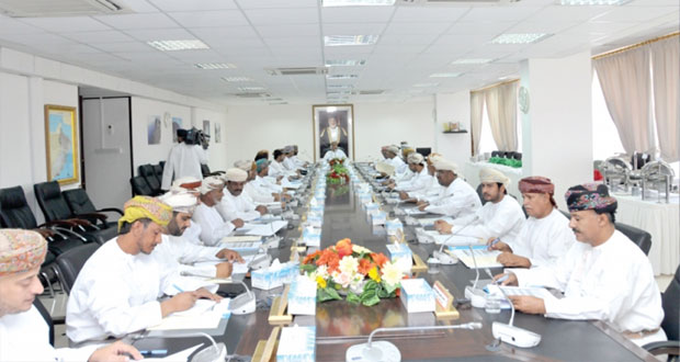 المجلس البلدي بمحافظة ظفار يبحث توحيد نسبة التصديق على كافة عقود الإيجارات