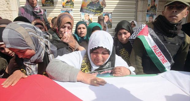 """تشييع جثمان الشهيد الفلسطيني """"الدرابيع"""" في الخليل"""