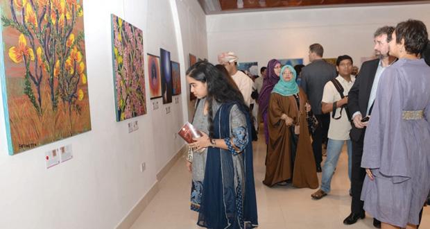 متحف بيت الزبير يحتضن المعرض الفني 100 في 100 في نسخته الثانية