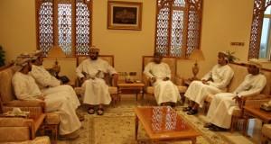 وزير الخدمة المدنية يستقبل رئيس وأعضاء مجلس إدارة نادي الطلبة العمانيين بالأردن