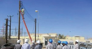 تنفيذ أكثر من 29 مشروعا لتدعيم شبكة الكهرباء بمحافظة الظاهرة بتكلفة 1.26 مليون ريال عماني