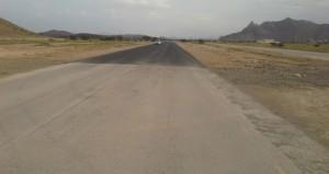 رصف طريق خدل – هجيرمات المتأثر بالامطار في عبري