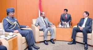 بدر بن سعود يجتمع بنائب رئيس مجلس الوزراء الوزير المنسق للأمن القومي وزير الداخلية بسنغافورة
