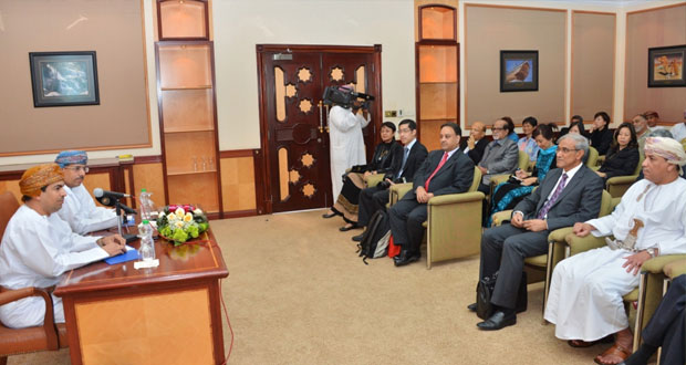 وزير الإعلام ورئيس الهيئة العامة للإذاعة والتليفزيون يلتقيان فريق نادي الصحفيين السنغافوري