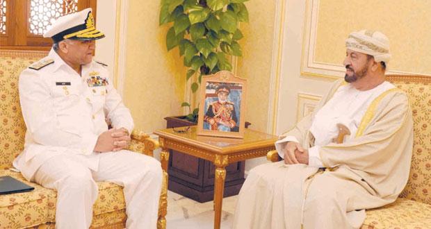 بدر بن سعود والرئيسي يستقبلان رئيس هيئة الاركان البحرية الباكستاني