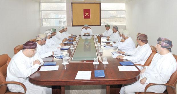 وزير الإعلام يلتقي رؤساء تحرير الصحف المحلية