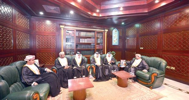 رئيس محكمة القضاء الإداري ونائب رئيس المحكمة العليا يستقبلان وفد النيابة العامة بمملكة البحرين