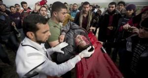 إصابة 16 فلسطيني برصاص الاحتلال في قطاع غزة.. بينهم أطفال