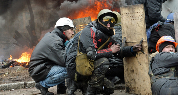 اوكرانيا: عنف جديد وسط كييف وحصيلة بعشرات القتلى والجرحى
