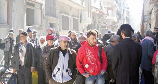 سوريا: إجلاء دفعة أولى من المدنيين بحمص ودمشق إلى (جنيف) .. و(الإرهاب) أول البنود