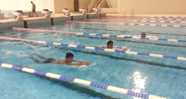 منتخب السباحة يشارك في بطولة الخليج للمجري القصير بالكويت