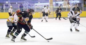 هوكي الجليد يغادر السلطنة للمشاركة في بطولة قطر الودية