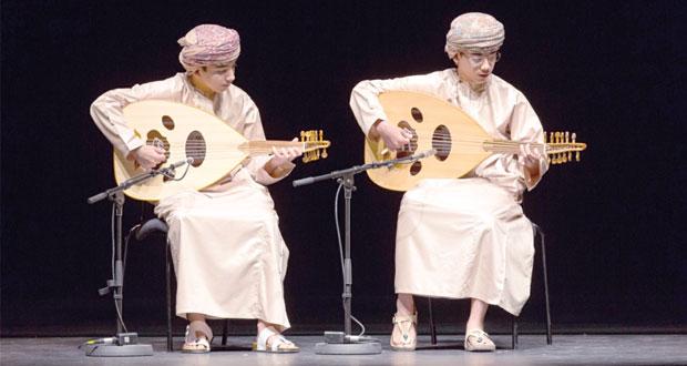 """أكثر من """"700″ طالب وطالبة يشاركون بفعالية تعليمية في دار الأوبرا السلطانية مسقط"""