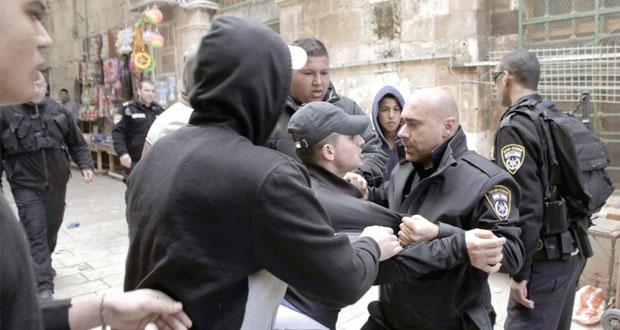 قوات الاحتلال تقمع تظاهرات بالأقصى وتصيب وتعتقل العشرات .. تزامنا مع مناقشة السيادة عليه