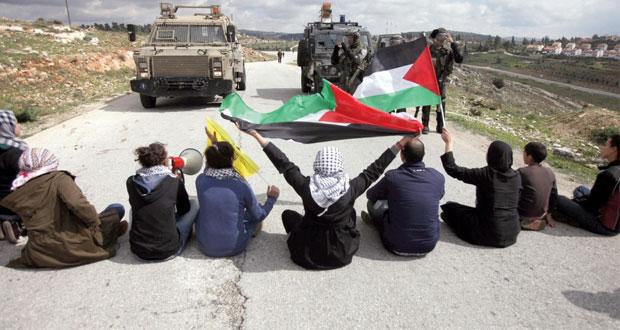 الاحتلال يساوم الفلسطينيين بـ(الأسرى مقابل المفاوضات)