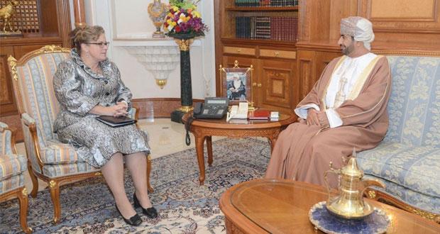 وزير ديوان البلاط السلطاني يستقبل السفيرة الهولندية