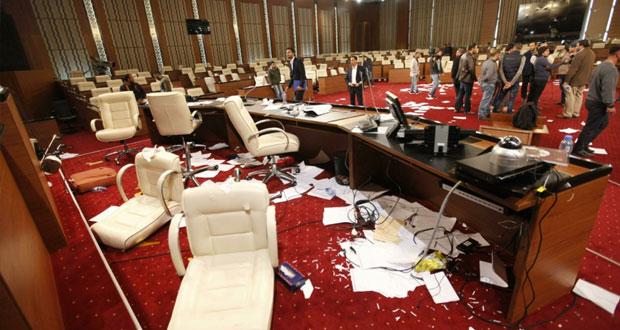 ليبيا: قتيلان من رجال الأمن و(المؤتمر الوطني) مصمم على مواصلة (الديمقراطية)