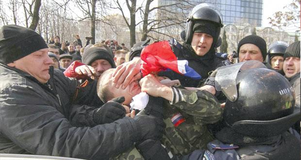 أوكرانيا تستنجد بأميركا وتؤكد أنها لن تتنازل عن شبر واحد من أراضيها