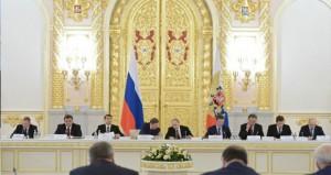 الجيش الروسي يحكم سيطرته على المواقع العسكرية في (القرم)