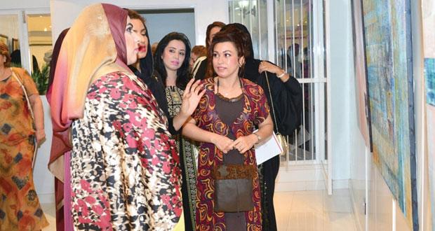 """""""ألوان وحياة"""" معرض للفنانة التشكيلية الإيرانية روزيتا مهيمني بمتحف غالية للفنون الحديثة"""