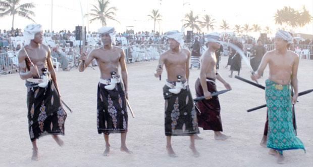 الفعاليات الفنية والتراثية المتنوعة تستقطب جمهور مهرجان طاقة الثاني