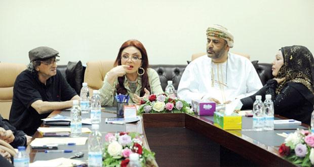 الفنانة نبيلة عبيد تقدم دورة في مجال التمثيل السينمائي والتليفزيوني بمشاركة مجموعة من الفنانات