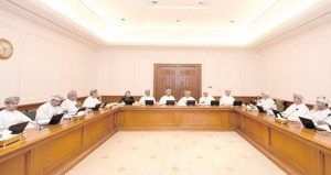"""اقتصادية الدولة تناقش تقريرا حول """"القوانين المنظمة لاستغلال قطاع المعادن في السلطنة"""